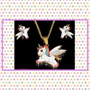 🦄New🦄 Flying Rainbow Unicorn Necklace & Earrings